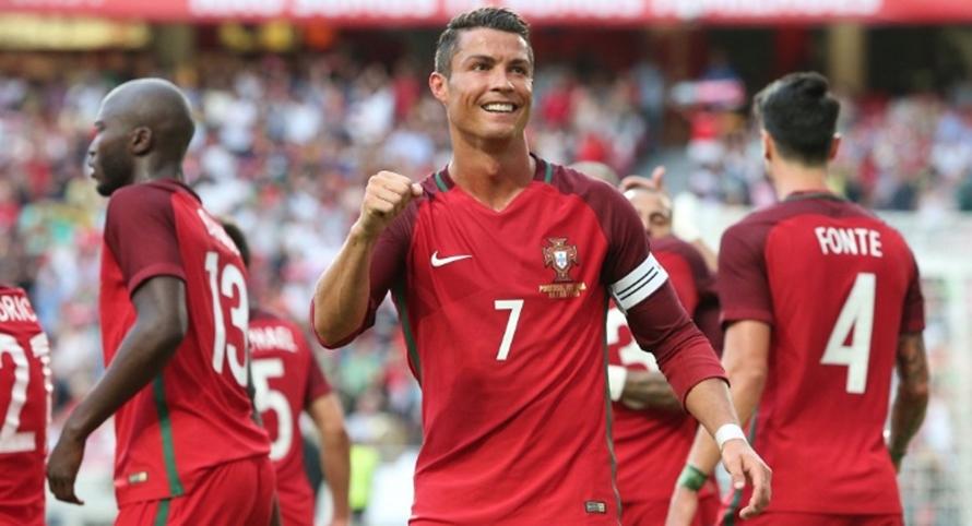 Ronaldo tak berhenti membuat rekor, di babak 16 besar apalagi ya?