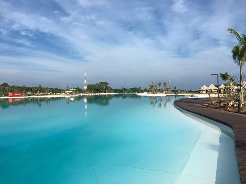 Indonesia S Largest Swimming Pool Will Make You Wanna Go On Holiday