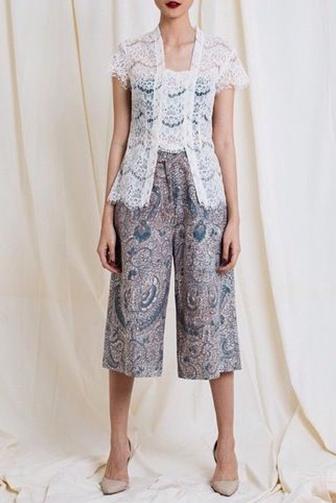 Meski Pakai Celana Kamu Tetap Bisa Gaya Dengan 10 Model Ini