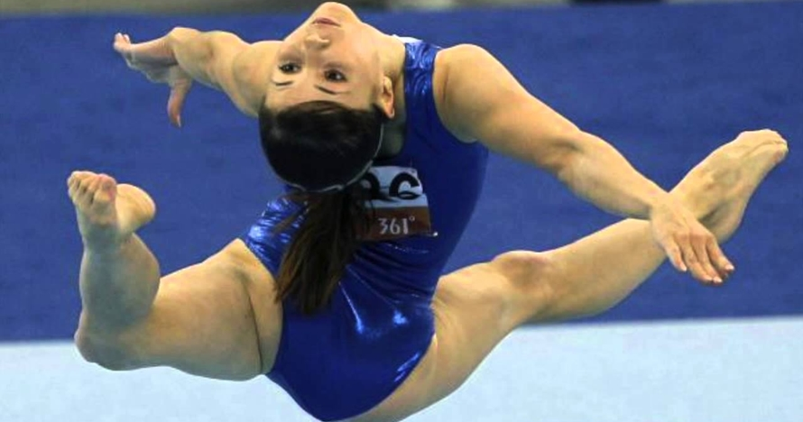 15 Foto gymnastic yang bikin berdecak kagum, lentur banget!