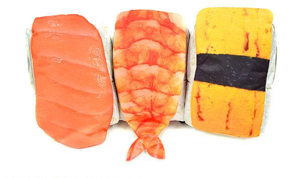 Kamu bakal ngiler melihat sushi jumbo ini, awas jangan dimakan!