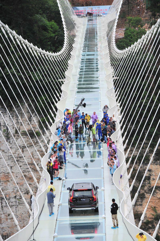 jembatan kaca tertinggi © 2016 brilio.net