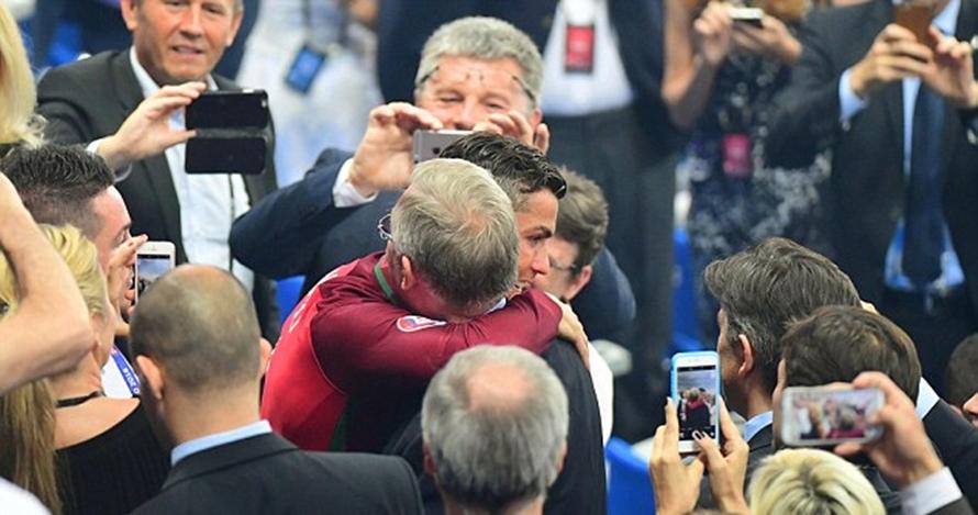 Reaksi CR7 dan Nani diberi selamat Sir Alex Ferguson ini epik banget