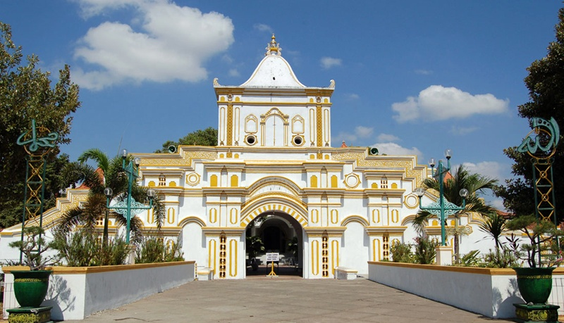 Wisata religi Madura © 2016 brilio.net