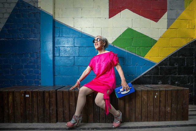 Nenek ini mendadak jadi duta fashion usai fotonya viral di medsos