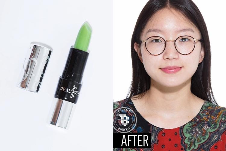 Warna lipstiknya sih hijau tapi hasilnya bikin melongo, cobain deh!