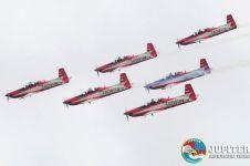 Jupiter Aerobatic Team TNI AU dapat 'surat cinta' dari fans bule, aw!