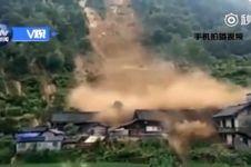 Detik-detik banjir bandang hancurkan rumah di China, mengerikan!