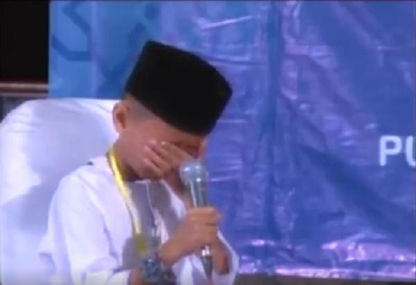 Hafiz cilik ini menangis saat sambung ayat, alasannya bikin merinding!