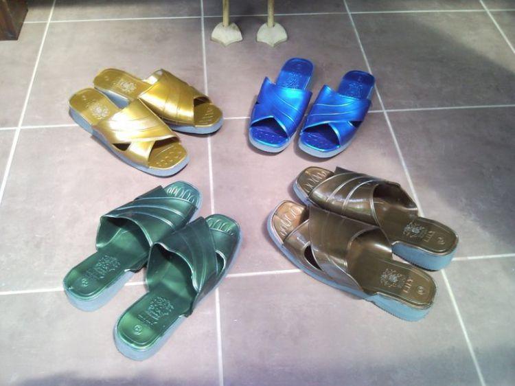 Sepatu Sandal 90an © 2016 brilio.net