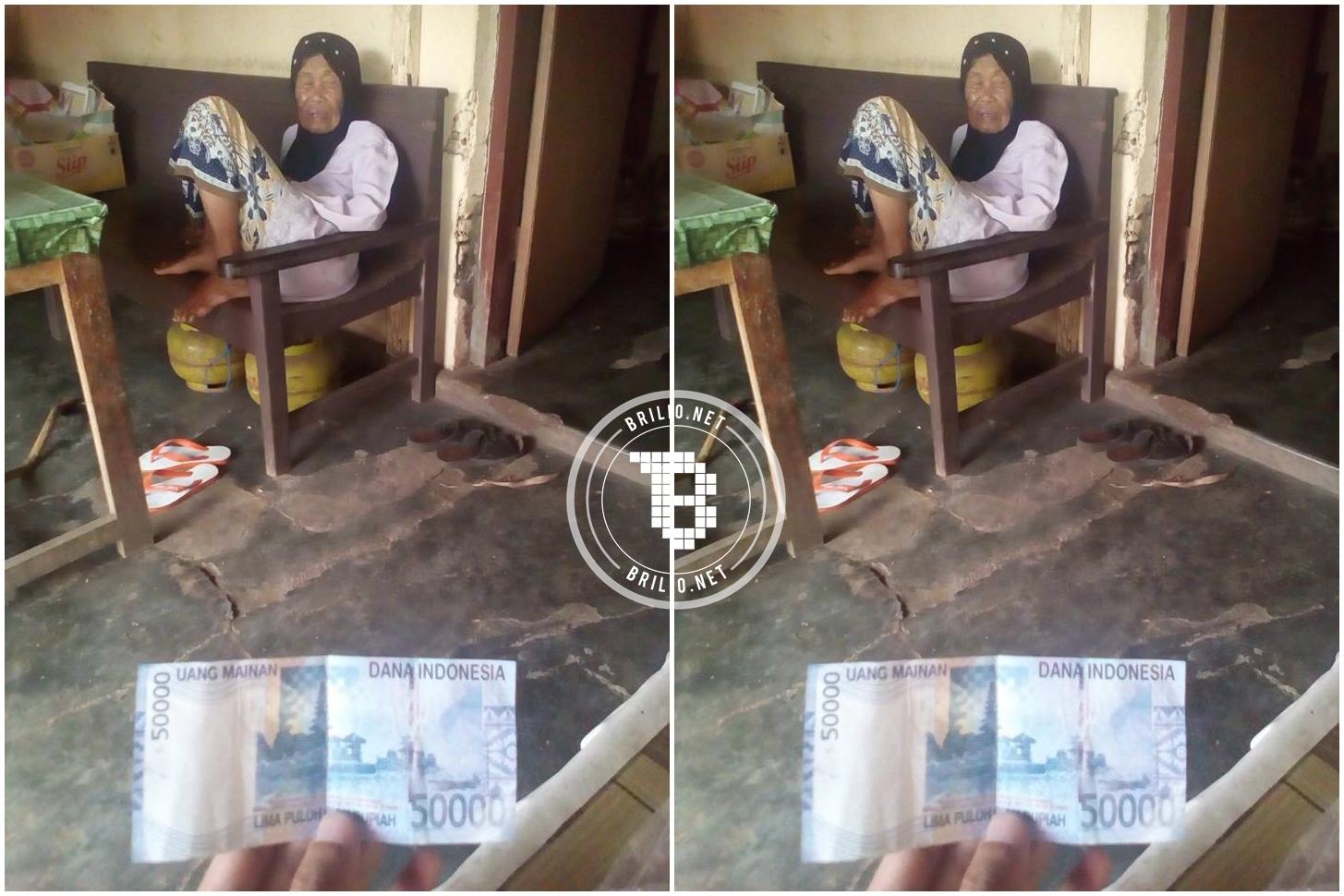 Nenek ini dagangannya dibeli pakai uang mainan, duh tega banget!
