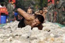 10 Foto latihan ekstrem tentara dari berbagai negara, bikin melongo