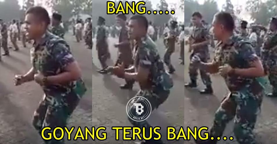 Aksi tentara joget ini bikin ngakak netizen, luwes banget deh!