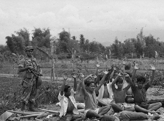 12 foto langka zaman penjajahan di indonesia suasananya for 1945 dutch east indies cuisine