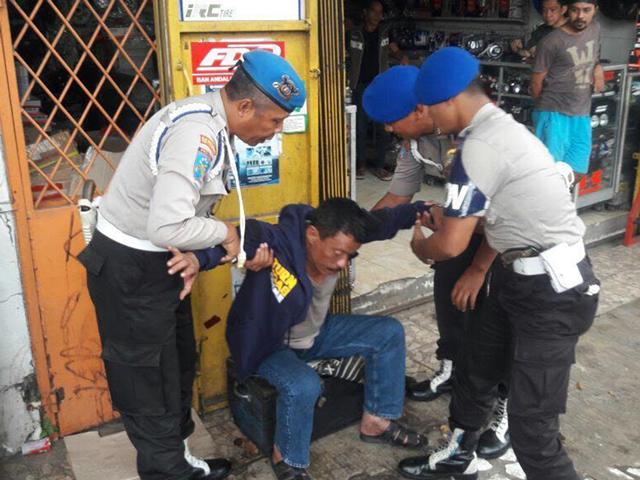 Tak hanya mabuk, ini 8 kelakuan polisi yang bikin geleng-geleng kepala