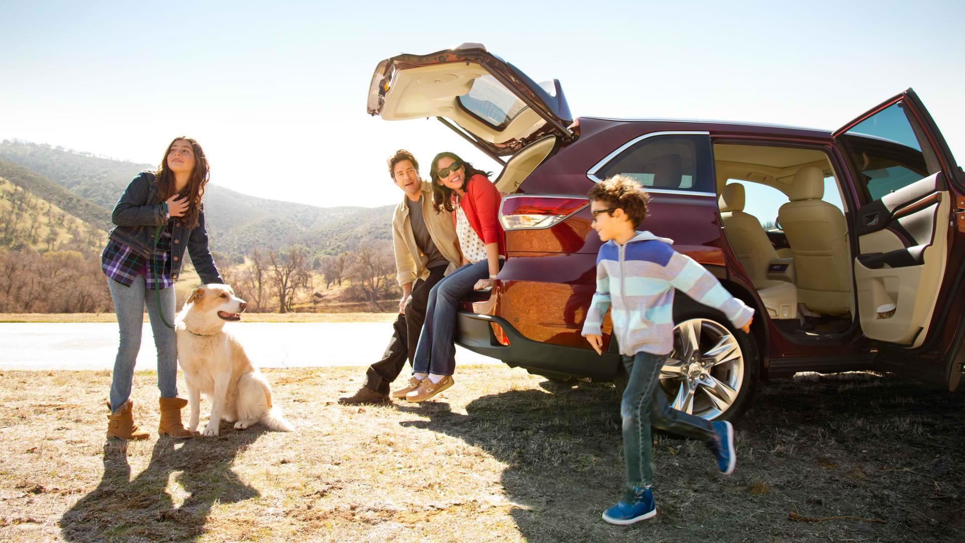 7 Alasan mobil berkursi tujuh bisa nge-hits saat dipakai hangout
