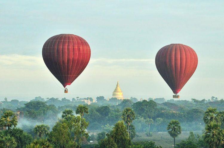 10 Wisata balon udara dari berbagai belahan dunia, asyik banget ya