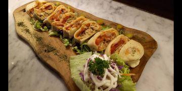 Perkenalkan Pizza Lemper, kuliner yang lagi hits banget di Bandung