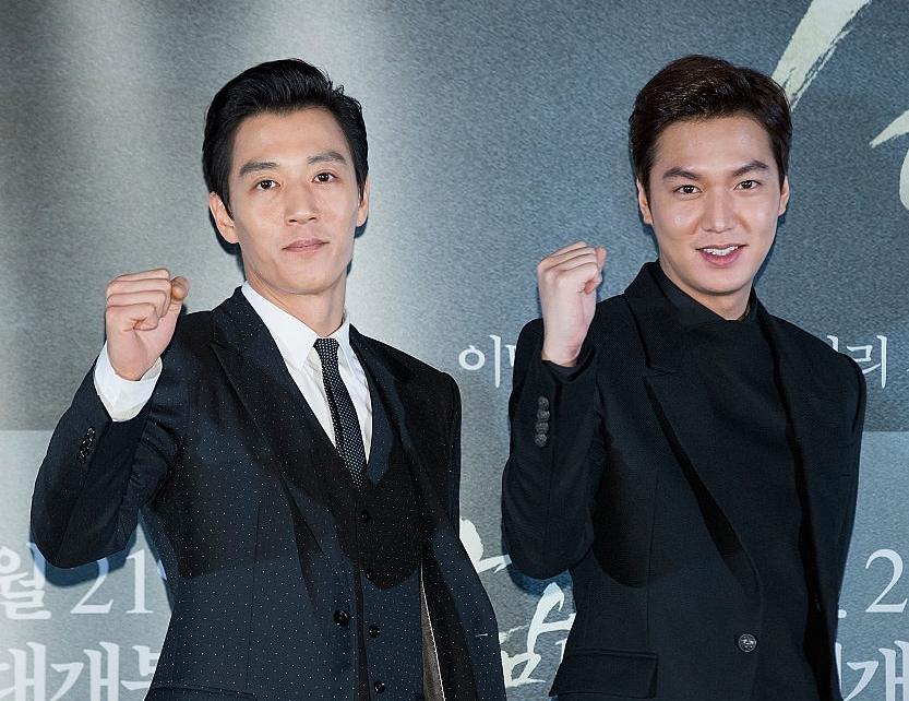 10 Foto bukti Kim Rae-won tak kalah ganteng dari para aktor muda Korea