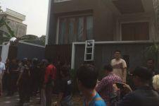 Cuma di Indonesia, perampokan jadi tontonan ribuan orang!