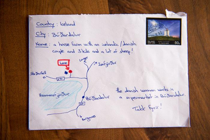 Tak tahu alamat lengkap, orang ini gambar peta di amplop surat