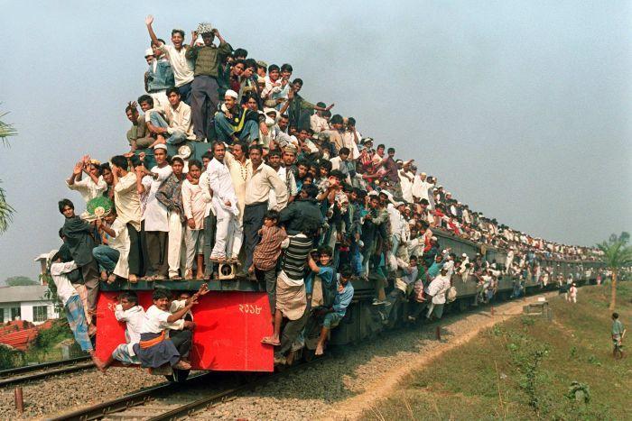 12 Foto mirisnya keadaan kereta api di India, berani naik?