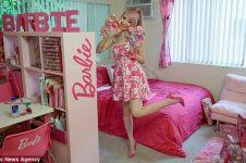 Azusa Sakamoto, habiskan Rp 900 juta untuk koleksi aksesori Barbie