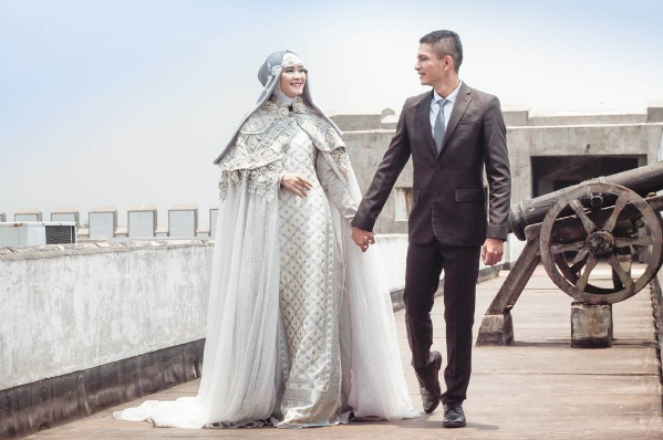 gaun pengantin muslim © 2016 brilio.net