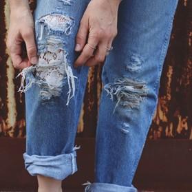 Yuk sulap jeans lama kamu jadi baru pakai 13 cara kreatif ini
