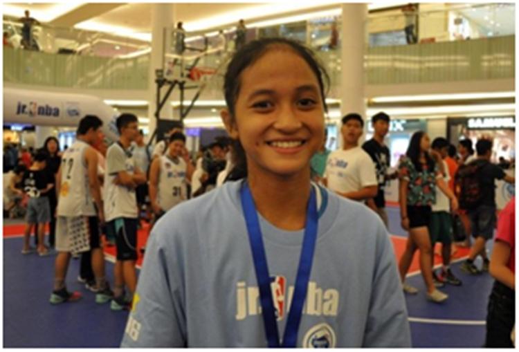Gadis ini kalahkan 2.000 pesaing untuk bisa dilatih pemain NBA, keren!