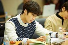 10 Foto BTS K-Drama 'Cinderella and Four Knight', seru abis
