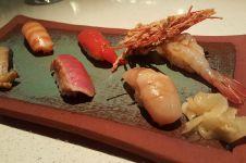 Makan sushi di restoran, orang ini kaget harganya capai Rp 14 juta