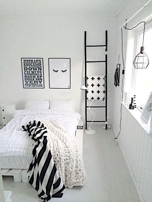 Kamar serba hitam putih © 2016 berbagai sumber