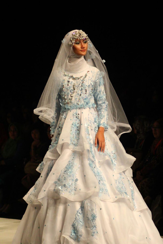 10 Gaun Pengantin Karya Oki Setiana Dewi Cantik Menawan Dengan H