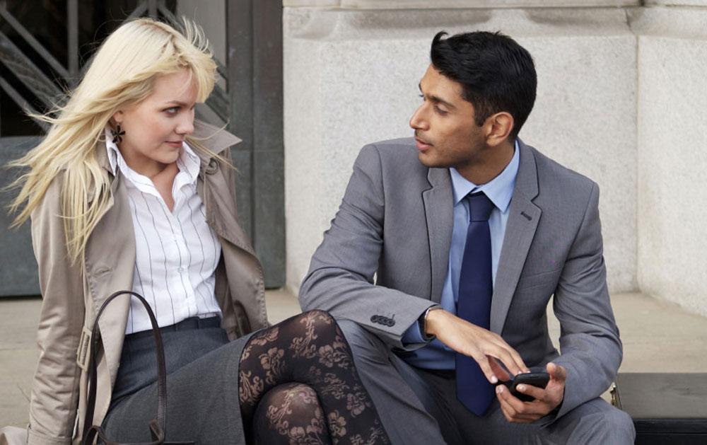 10 Rahasia Menjadi Cowok Karismatik Yang Diidolakan Cewek