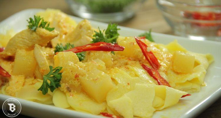 Yuk bikin Roti Jala Kari Ayam, makanan khas melayu yang maknyus abis