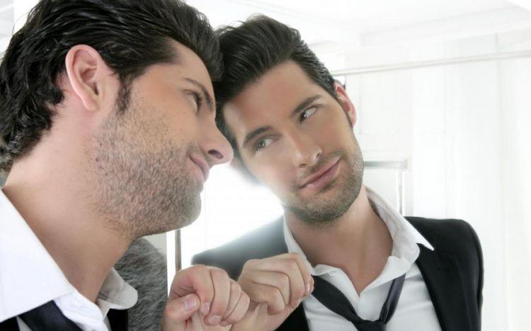8 Ilustrasi beda orang narsis dengan percaya diri, kamu setuju nggak?