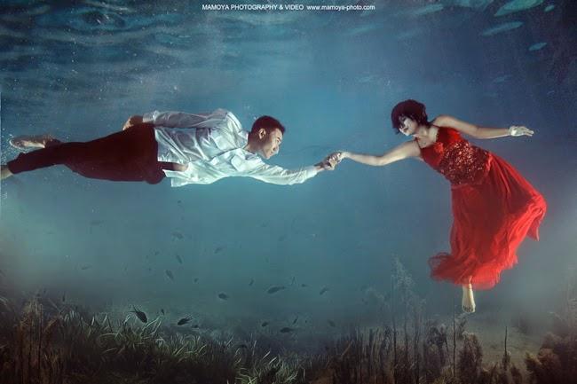 15 Foto prewedding underwater ini unik dan romantis abis
