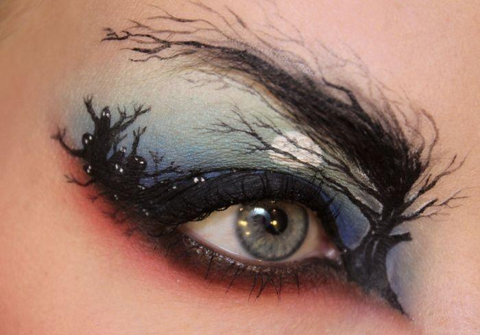 spooky eye © 2016 brilio.net