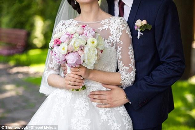 Dua jam nikah, pria ini ceraikan istri karena unggah foto pernikahan