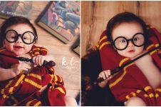 Lucunya bayi 3 bulan ini didandani ala Harry Potter saat pemotretan