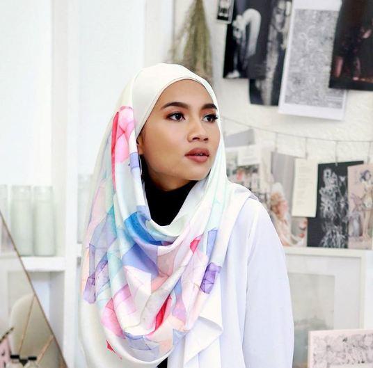Hijab Yuna Music © 2016 brilio.net
