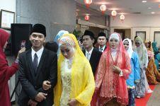 Sakral dan mengharukan, 7 pasang TKI ini menikah massal di Taiwan