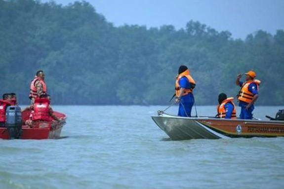 Kapal angkut TKI tenggelam di perairan Batam, 18 tewas & 44 hilang