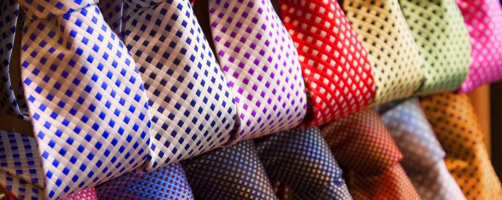 Ini makna warna dasi favorit cowok