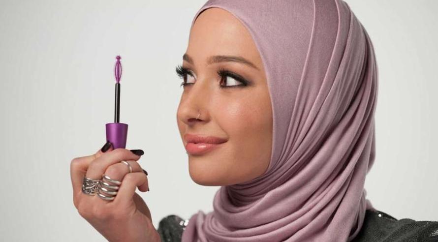 Cantiknya Nura Afia, cewek berhijab pertama jadi model kosmetik di AS