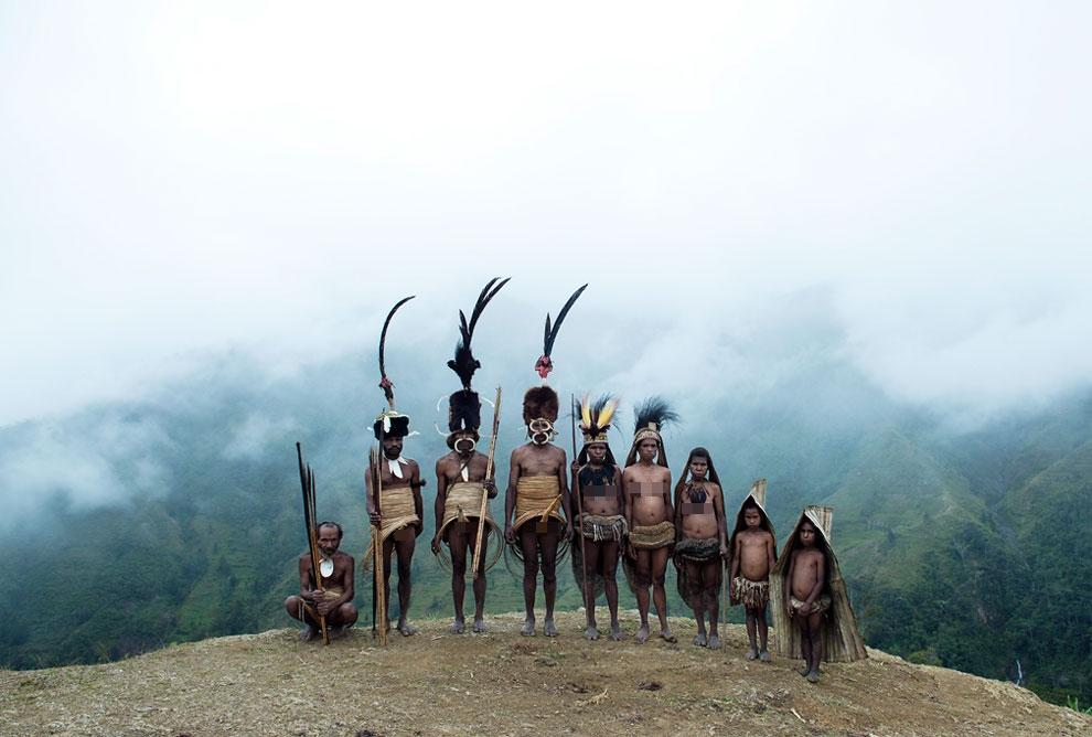 15 Foto suku pedalaman ini eksotis banget, dijamin bikin takjub