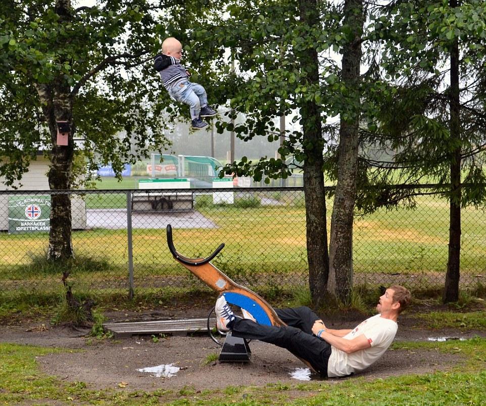 Bayi korban photoshop © 2016 vorply