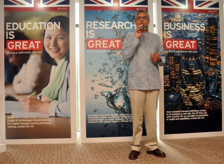 Makin banyak pemuda Indonesia yang mau kuliah di Inggris, kenapa ya?