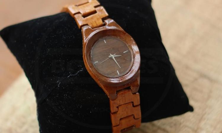 jam tangan kayu  © 2016 berbagai sumber